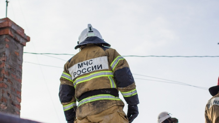 В Сызрани женщина выпрыгнула из окна, спасаясь из полыхающего дома