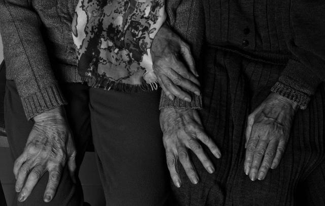 «А что, старость не может быть красивой?»: пермячка создает фотопроект о доме престарелых