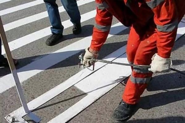 Более 18 тысяч квадратов покроют краской, 24,5 тысячи — пластиком