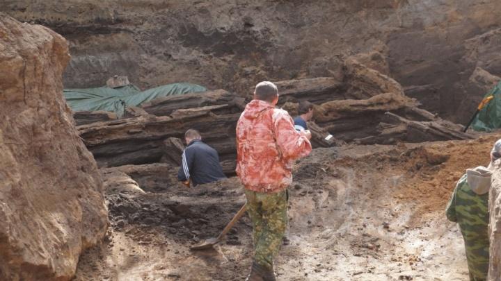 «Извлеките старые могилы с территории детсада»: мэрия Самары ищет археологов для раскопок