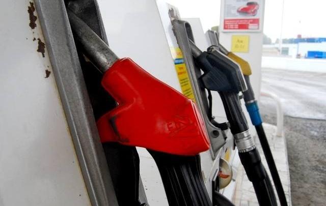 Челябинские автомобилисты пожаловались на резкое подорожание бензина