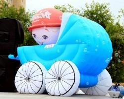 Парад колясок: бэтмобиль и карета из тыквы