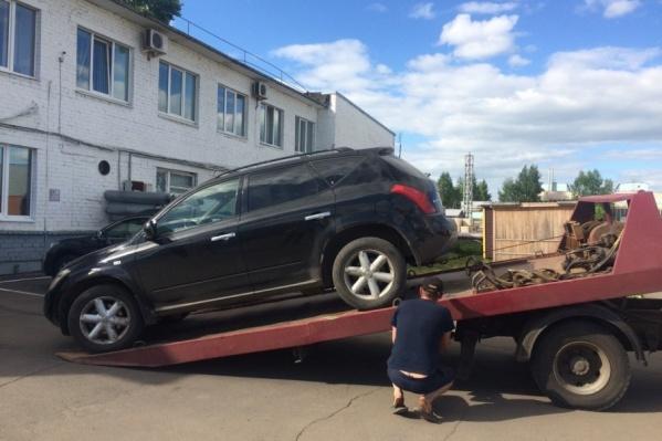 Машину увезли на стоянку