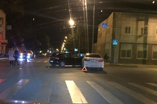 Авария случилась из-за нарушения правила проезда перекрестка