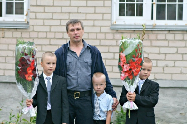 Средний из братьев Батуевых успел поучиться в школе всего неделю