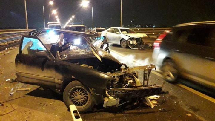 Водитель, погибший в ДТП на Октябрьском мосту, был лишён прав за пьяную езду