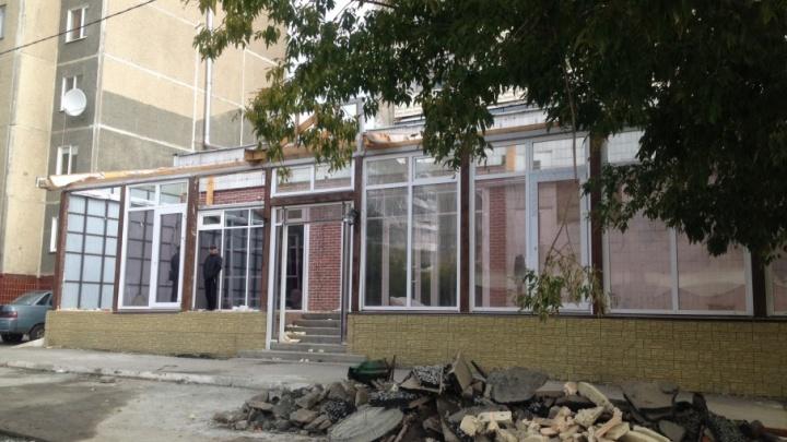 На северо-западе Челябинска сносят восточное кафе