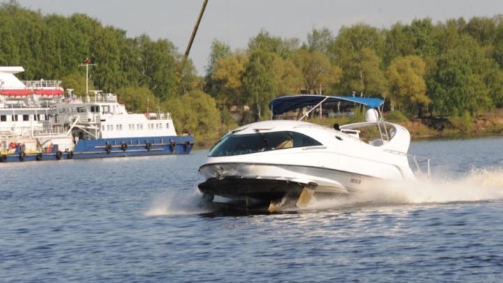 Главу Ростуризма в Ярославле катали на яхте с дополненной виртуальной реальностью
