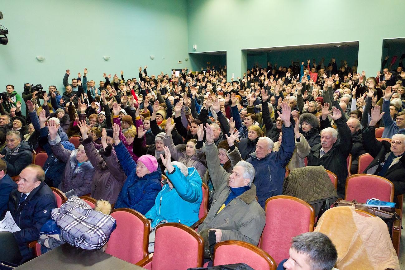 Участники слушаний были единодушны против проекта дороги через сады