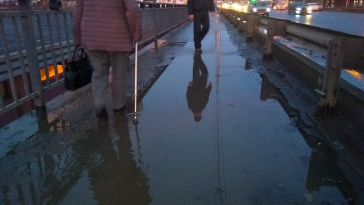 От предновогодней весны в Волгограде растаял Астраханский мост
