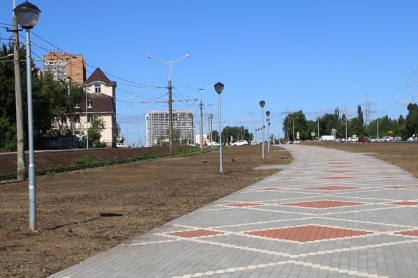 На Ташкентской строят новые дороги и прогулочные зоны