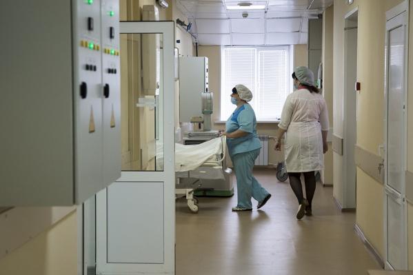 У девочки нормализовалась температура, но она по-прежнему находится в больнице