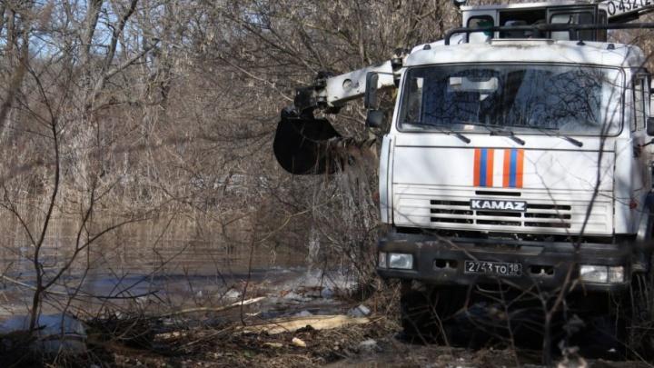 Молодую женщину в затопленном доме в Волгоградской области убило током
