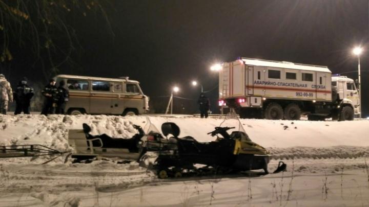 Под Самарой спасатели нашли погибшего водителя снегохода