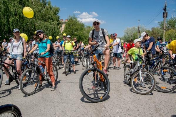 В день пробега волжанам разрешат бесплатно прокатить велосипеды в городском транспорте