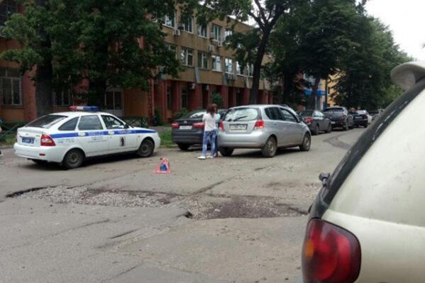 В Ярославле назвали список самых опасных ям