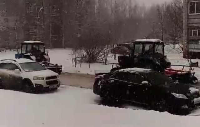 «Очуметь»: ярославцы увидели первые снегоуборочные машины на дорогах