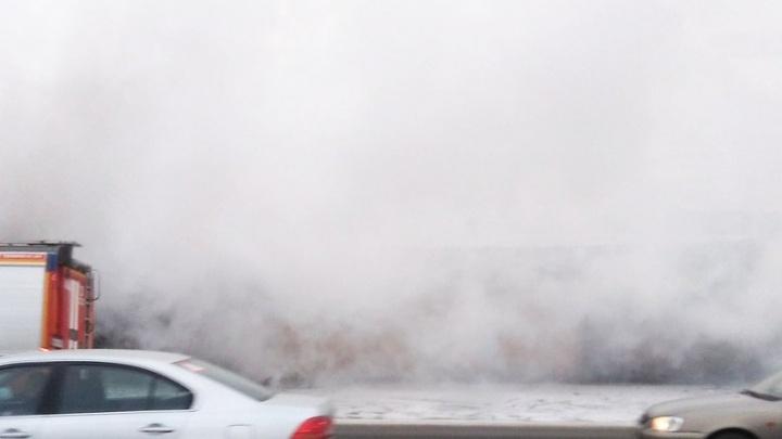 В Ростове на Западном  сгорела автомойка: есть погибший