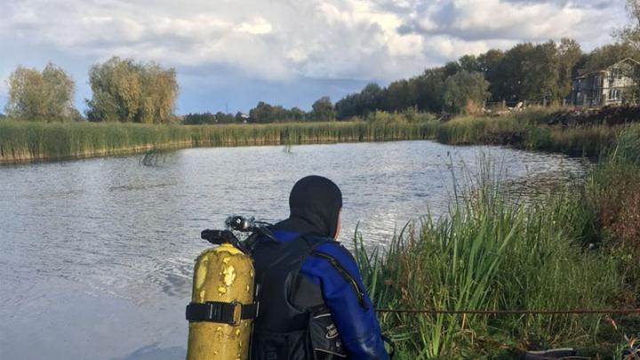 Водолазы-спасатели подняли со дна озера утонувшего мужчину