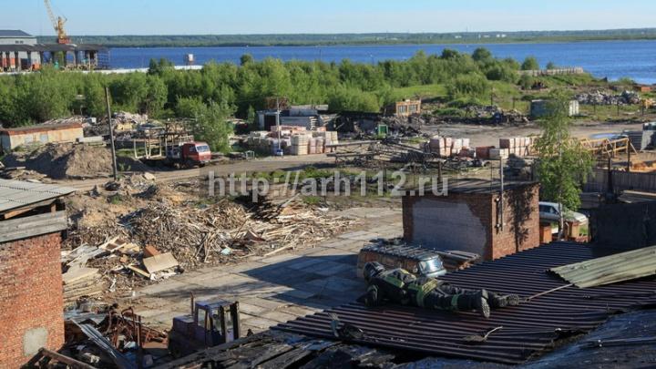 На окраине Архангельска горел автосервис