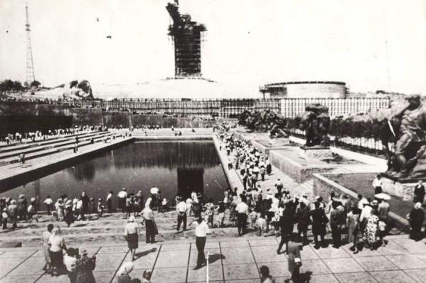 Волгоградцам покажут строительство мемориального комплекса с самого первого дня