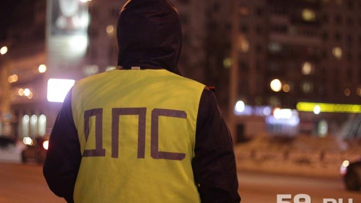 В Чернушке пьяный водитель на Lada Priora врезался в столб: погиб 22-летний пассажир