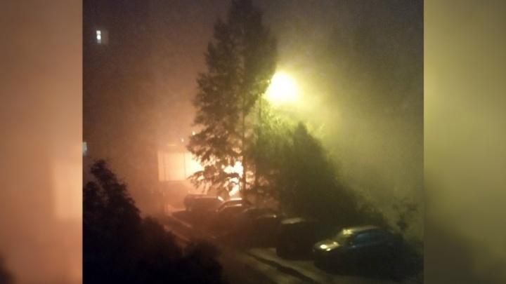 Ночью в Тутаеве загорелся супермаркет: подробности ЧП