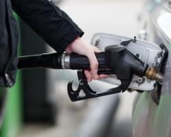 Клиенты Сбербанка заправляют автомобили бонусами «Спасибо»