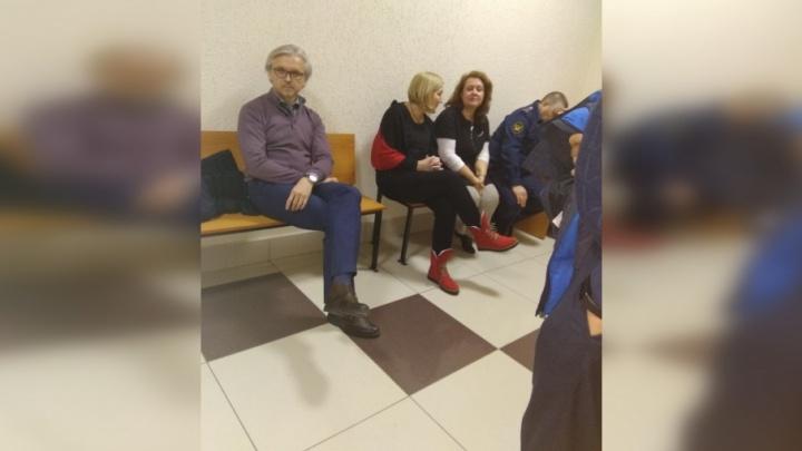 Суд со слезами на глазах: директор гимназии №1 рассказала, по чьей просьбе зачисляла детей