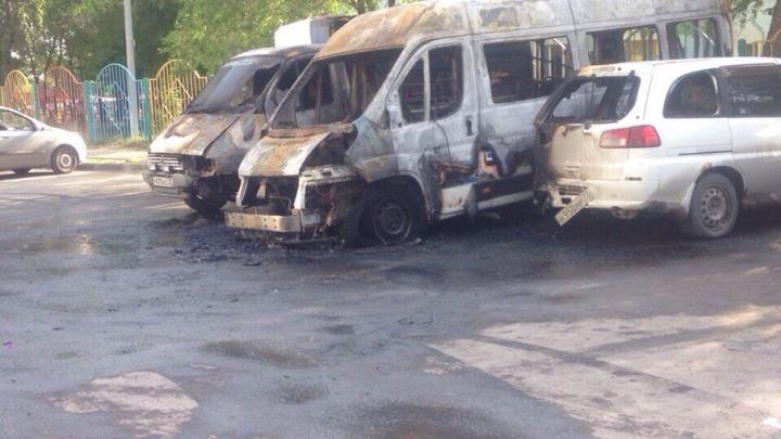 На Федюнинского ночью сгорели три машины