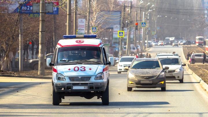 В Тольятти молодого рабочего придавило грузовым автомобилем