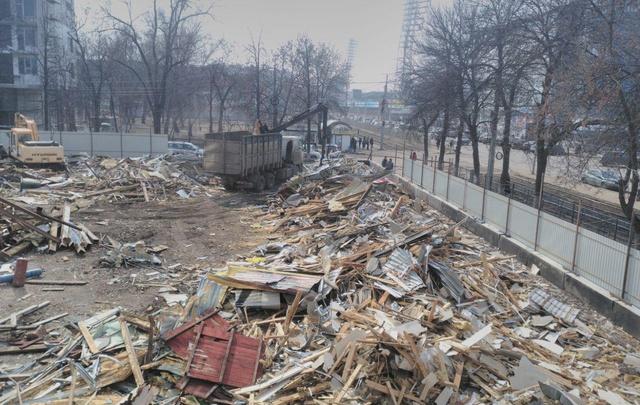 В центре Ярославля снесли старый рынок: фото
