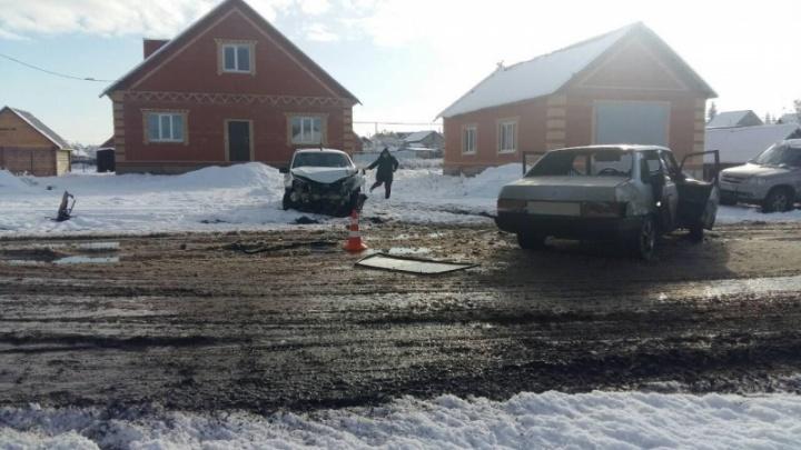 Выехал на встречную полосу: два ВАЗа не поделили дорогу в Самарской области