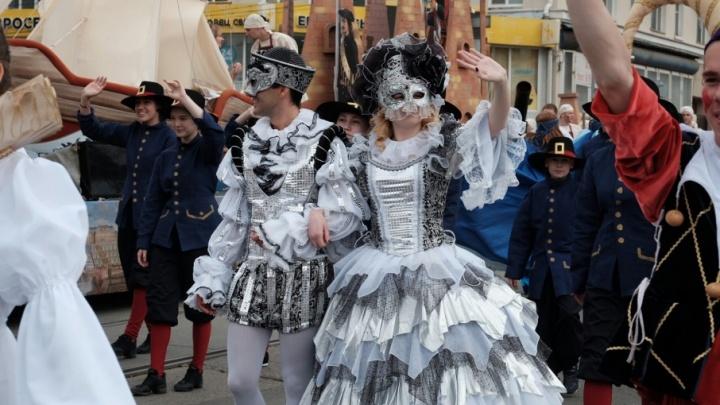 12 событий выходных в Перми: отмечаем День города, смотрим «Лето» с Ромой Зверем и танцуем на эспланаде