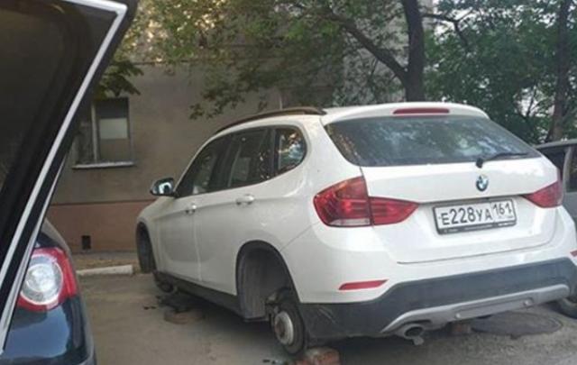 Под Ростовом злоумышленники оставили без колес BMW