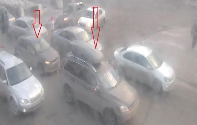 На Комсомольском проспекте автомобилисты встали в пробку из-за аварии с двумя легковушками
