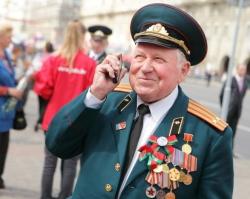 «Ростелеком» дарит ветеранам бесплатные звонки и телеграммы однополчанам