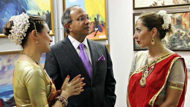 «Если посмотрите на Волгу, то поймете, как сильно вас любит Бог!»: Самару посетил посол Индии
