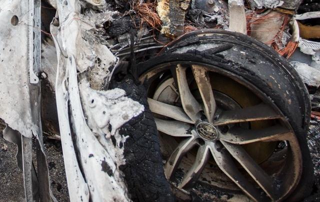 В Краснооктябрьском районе ночью сгорели Porsche Cayenne и Audi А8