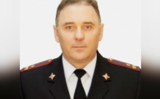 Летают ножи и посуда: полицейский из Ярославля в Томской области усмиряет полтергейста