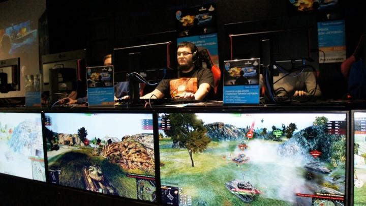 «Эмоции здесь мешают»: челябинских геймеров прокатят на Т-34 за победу на уральском турнире World of Tanks