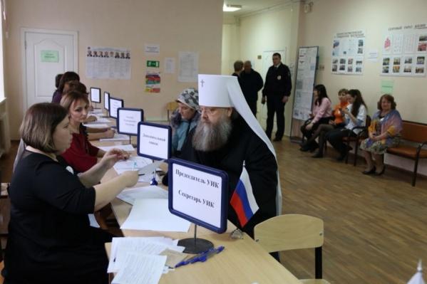 Меркурий проголосовал в школе на Петрозаводской