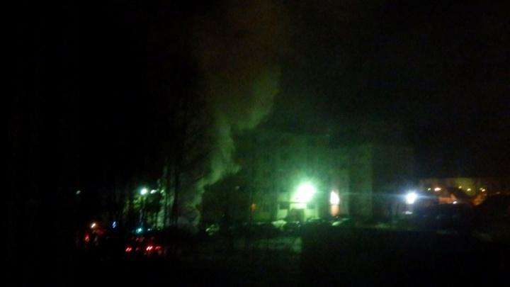 В Ярославской области сгорел «Мерседес» за 1,5 миллиона: полиция разыскивает поджигателей