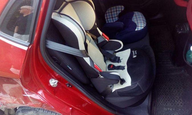 В Тольятти женщина на Mercedes столкнулась с четырьмя авто, пострадал ребенок