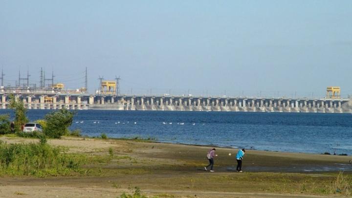 Волга превратилась в лебединое озеро напротив Спартановки