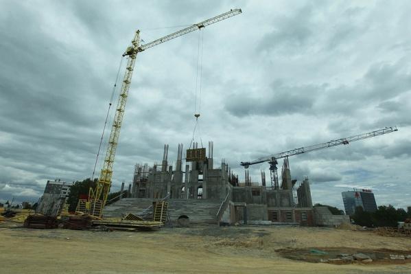 С 15 ноября по 20 апреля строительные работы были приостановлены