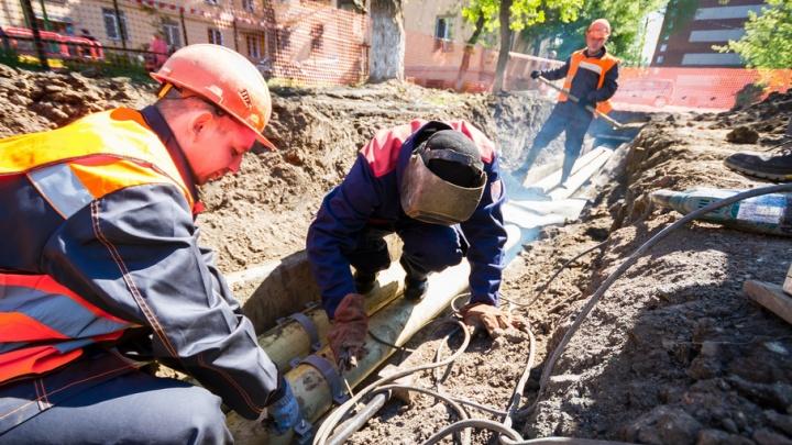 На пяти улицах Челябинска ограничат движение из-за ремонта дорог и сетей