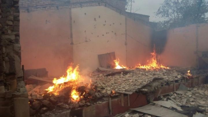 В Волжском до сих пор не могут посчитать сгоревшие дома в дачных поселках