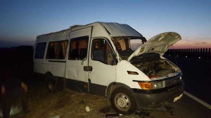 Автобус с жителями Ростовской области перевернулся на Кубани