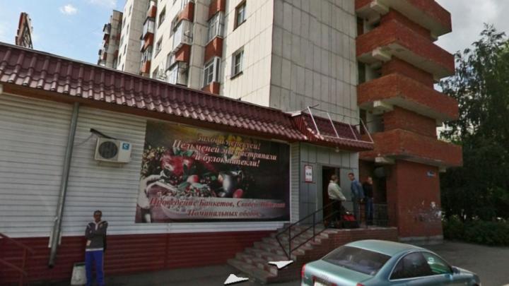 «Просто рухнул на кирпичи»: в Челябинске парень упал с балкона девятого этажа